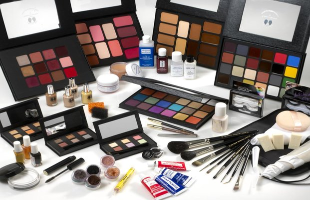 Medium Makeup