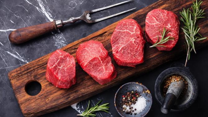 Jak kupować zdrowe i świeże mięso? Na co zwrócić uwagę? Sprawdź