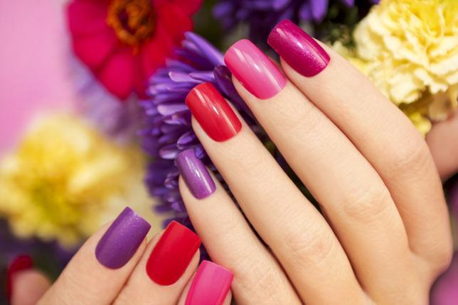 paznokcie-lakier-kolorowe
